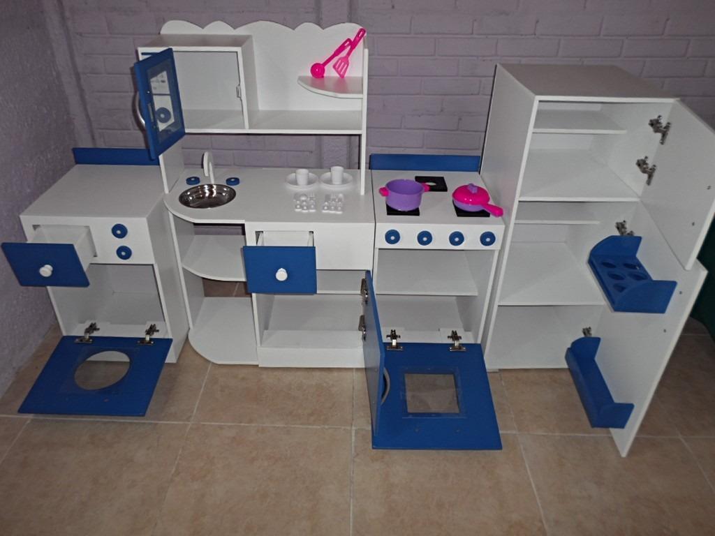Muebles de madera infantiles infantil azul madera y beige - Cocina infantil madera ...