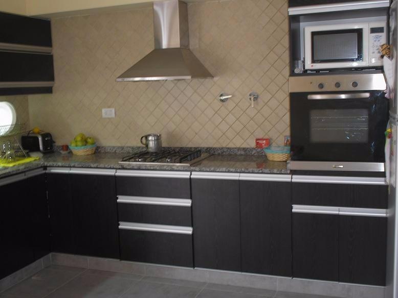 Muebles cocina modernas reposteros postformado granito for Muebles de cocina en melamina modernos