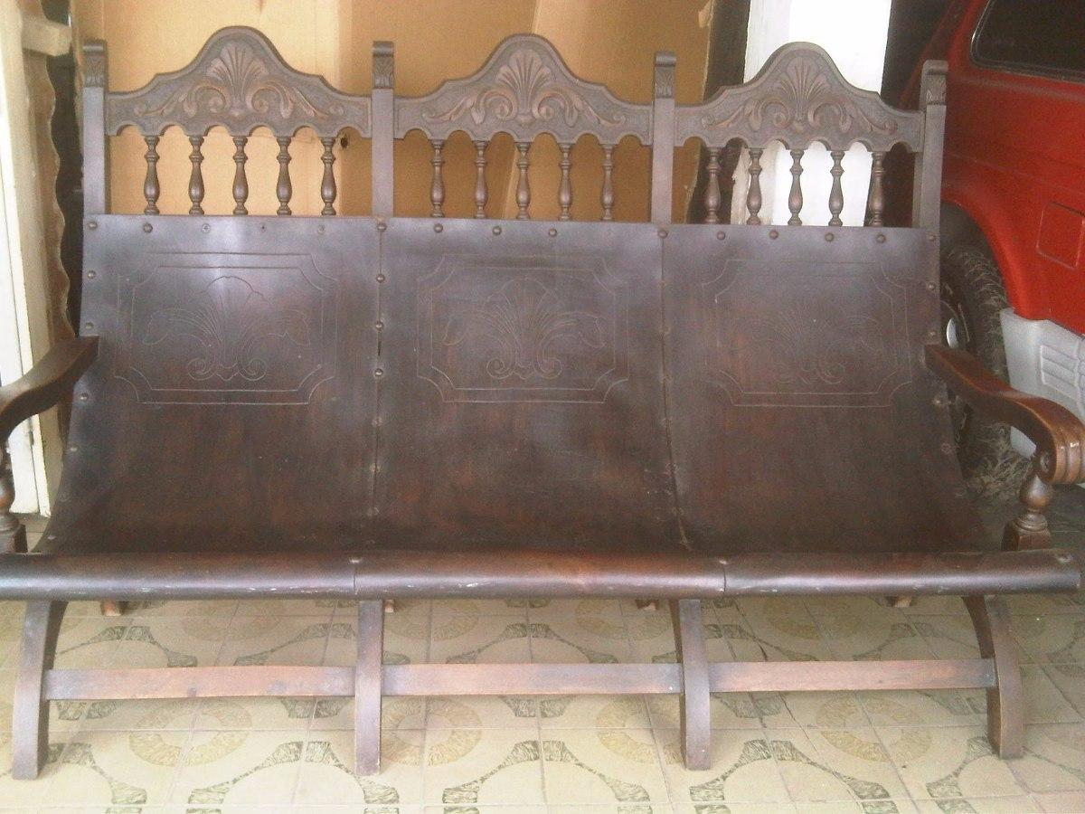 Muebles coloniales tipo tobogan en madera caoba y for Salas coloniales