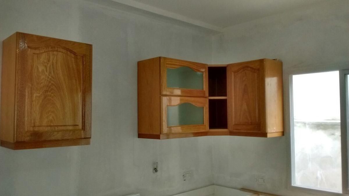 Muebles Con Puertas De Roble - $ 5.800,00 en Mercado Libre