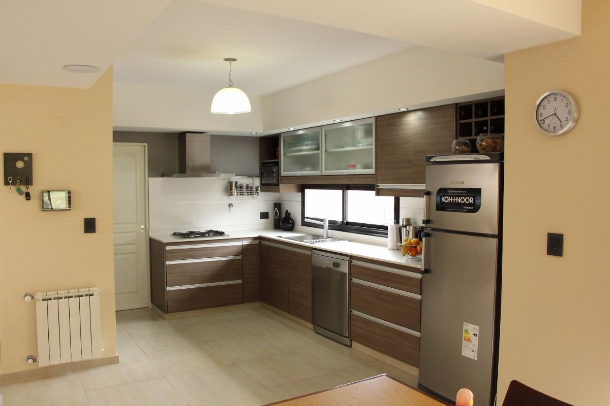 Muebles de cocina a mesada y for Precios muebles de cocina a medida