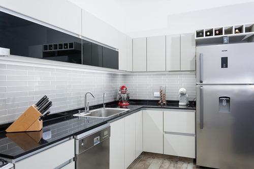 muebles de cocina, amoblamiento a medida somos fabricantes.