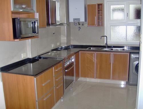 Muebles de cocina c cantos de aluminio bajo mesada for Muebles de cocina de aluminio