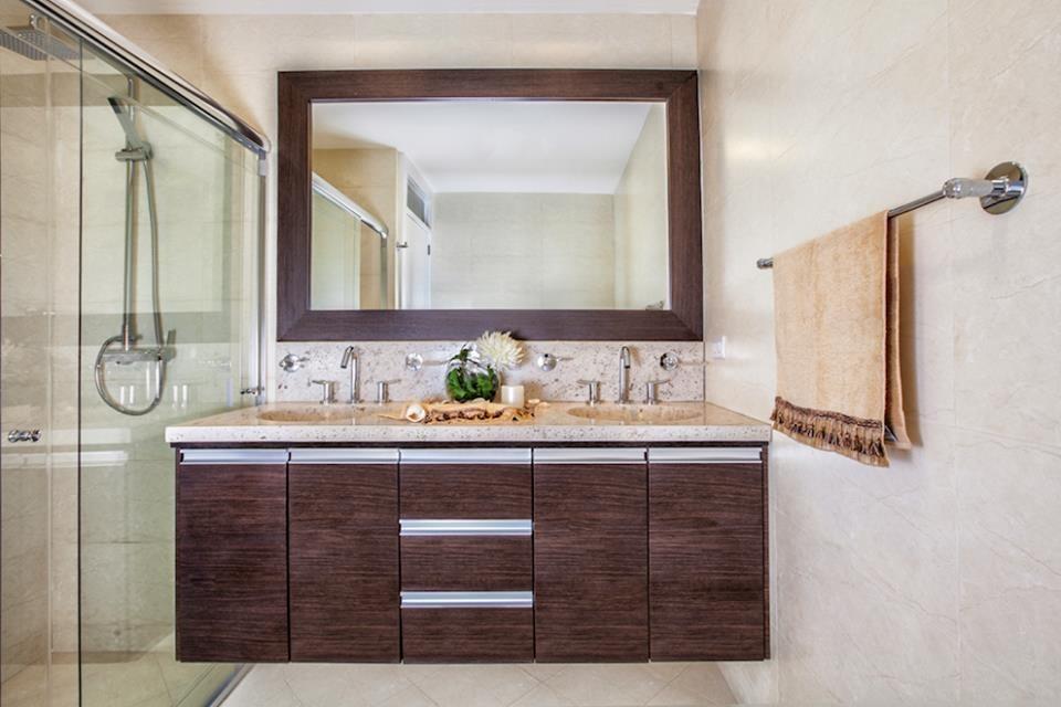 Muebles de cocina closet ba os puertas mesones de granito - Puertas para muebles de bano ...