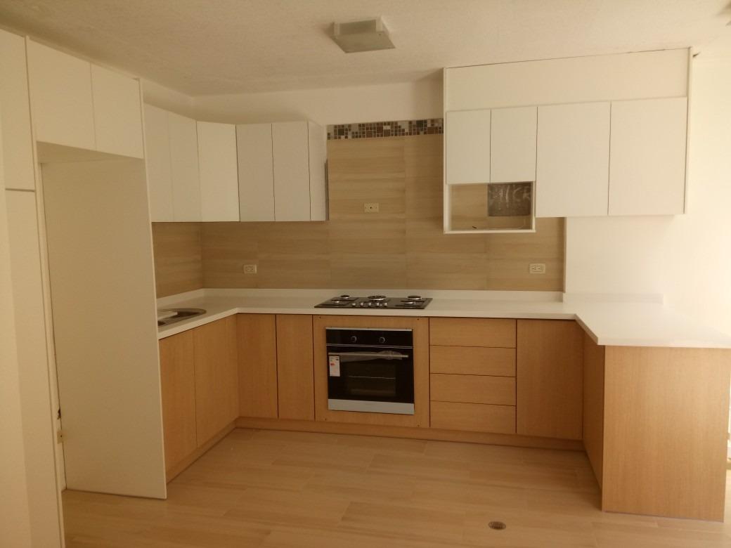 Muebles De Cocina Y Closets 90$ El Metro - U$S 90,00 en Mercado Libre