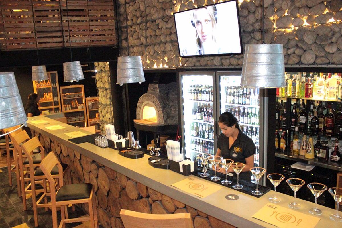 Muebles de dise o para bares hoteles restaurantes for Bar restaurante el jardin zamora