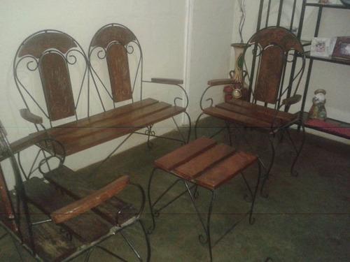 muebles de hierro forjado y madera