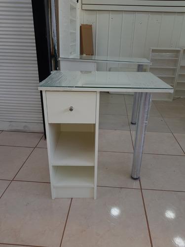 muebles de manicure a medidas