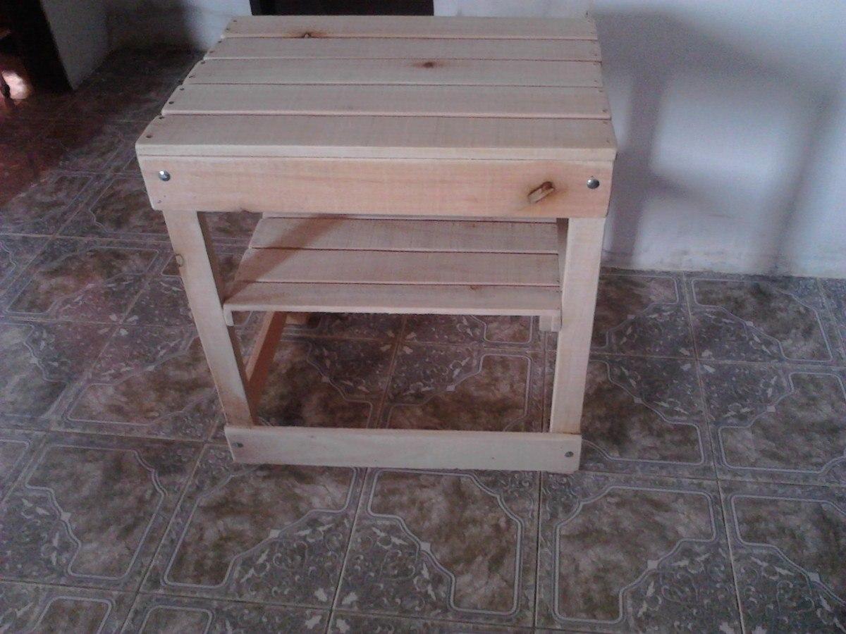 Muebles hechos con cajones de frutass y verduras for Muebles hechos con melamina
