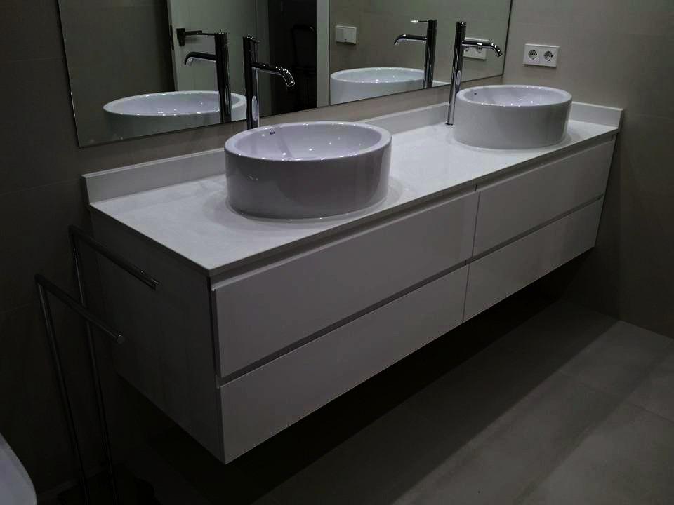 Muebles de lavabo a medida awesome mueble de bao acoplado for Medidas lavabo