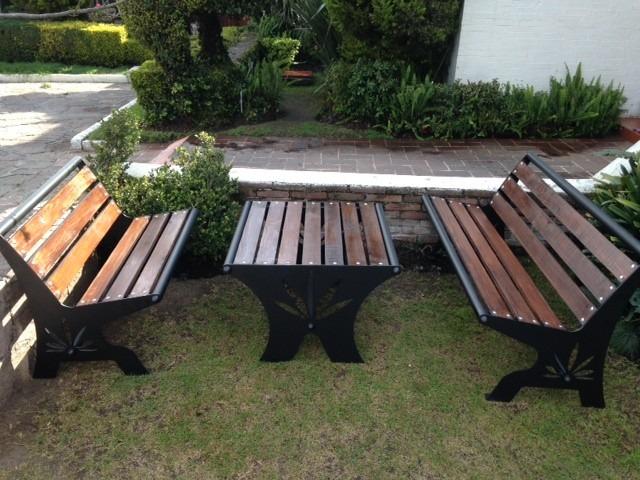 Muebles para jardin bancas y mesa originales 14 000 for Muebles para jardin en madera