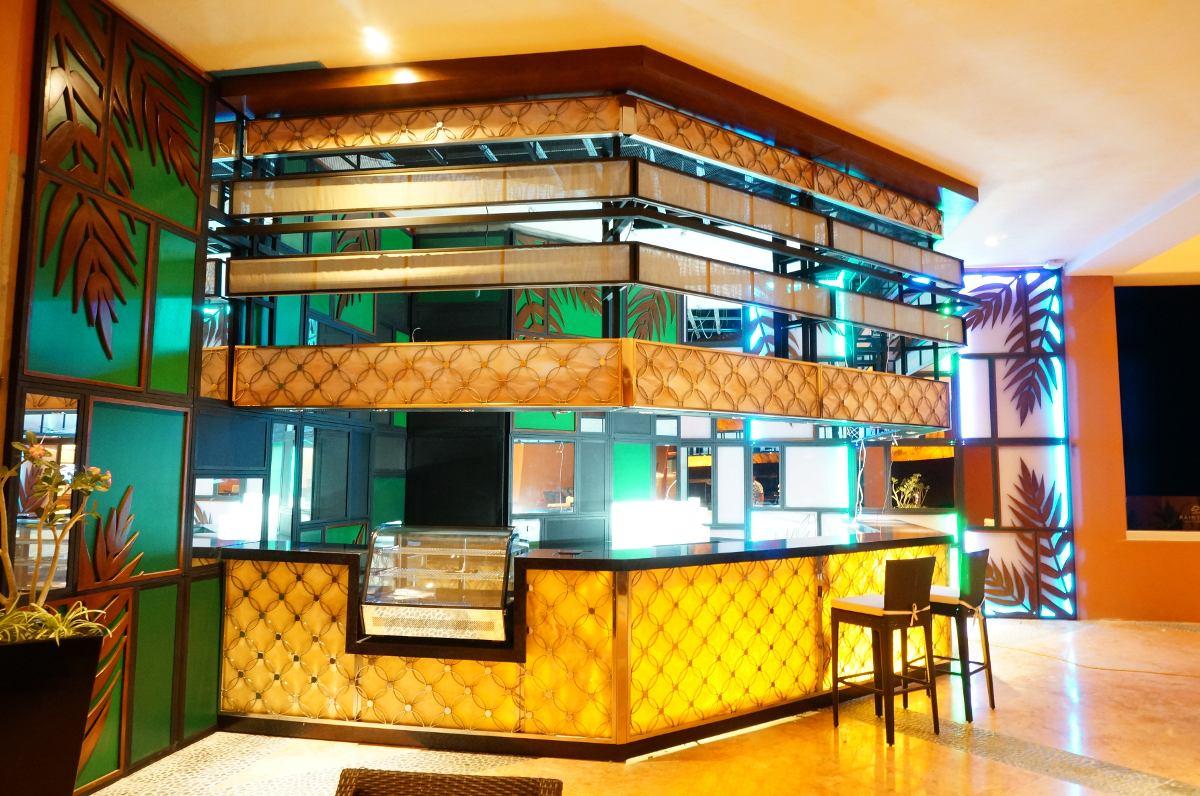 Muebles sobre dise o para bares restaurantes en todo for Disenos para bares