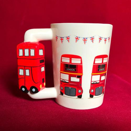 mug mágico de londres bus