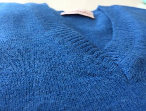 mujer escote sweater
