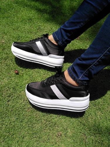 mujer, mujer, zapatos mujer