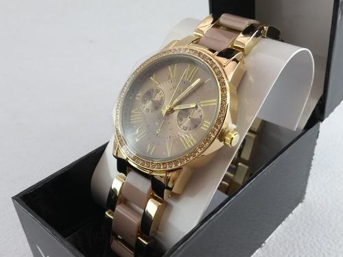 mujer pulsera reloj