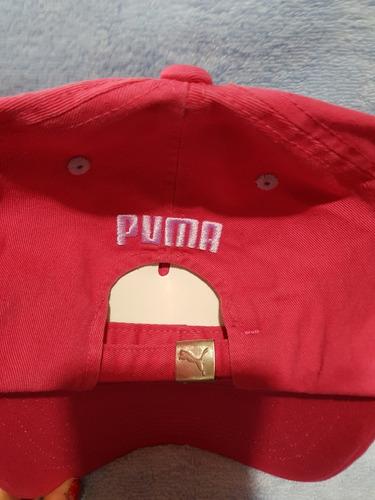 mujer puma gorra