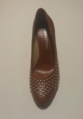 mujer stiletto zapato