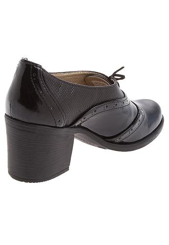 mujer tacón zapato