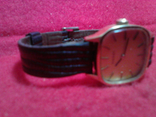 mujer. tissot reloj