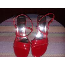 Sandalias De Medio Tacon Color Rojo Y Plateado Como Nuevas