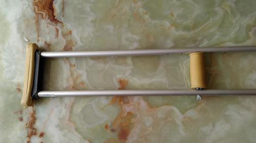 muleta de aluminio adaptable