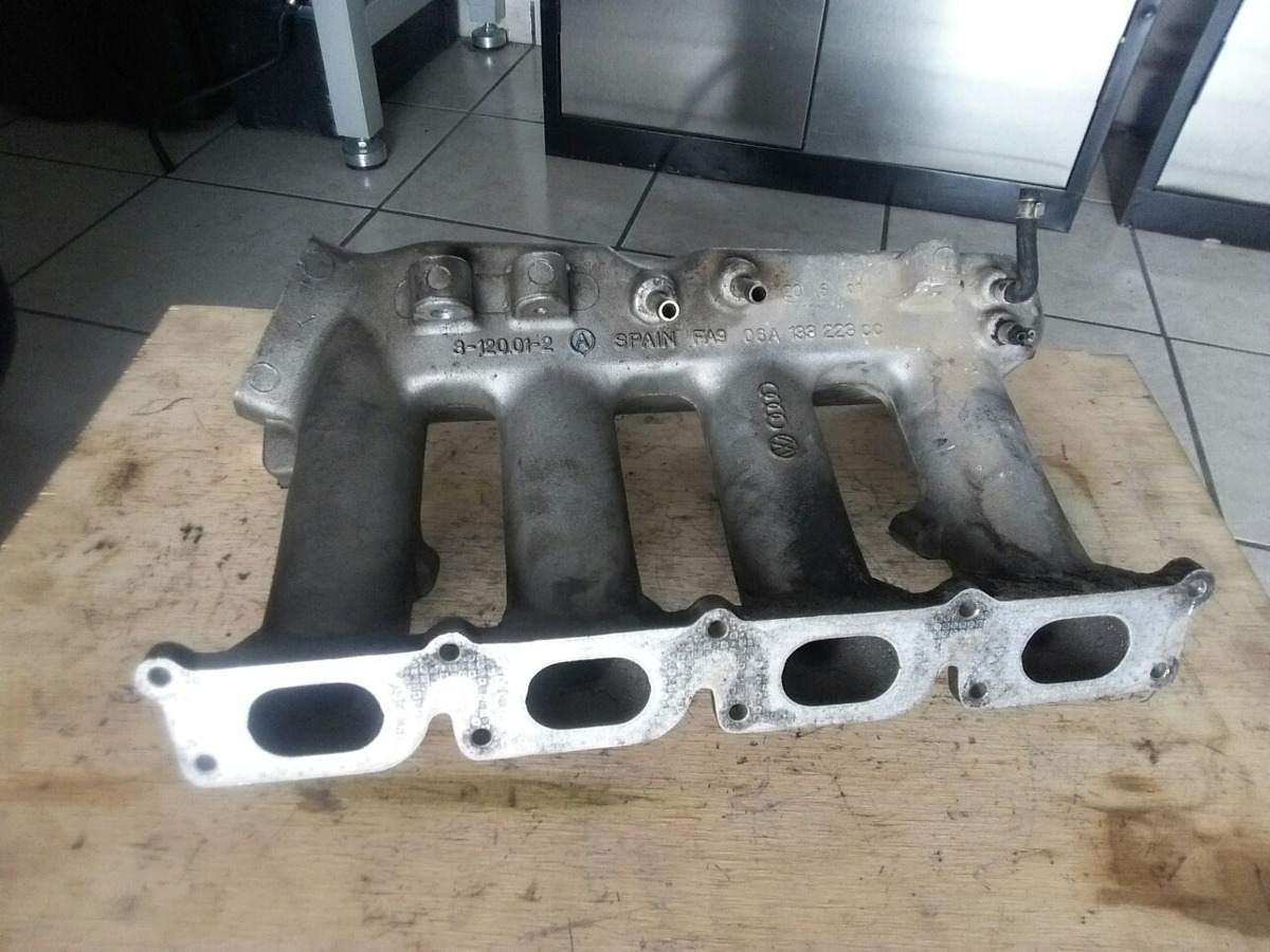 Multiple De Admision Jetta A4 1 8lts Turbo