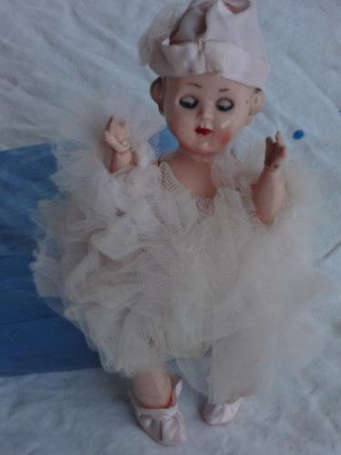 muñeca antigua de plastico