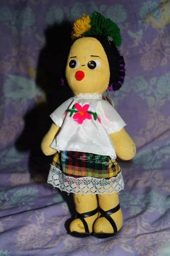 muñeca artesanal méxicana traje tipico