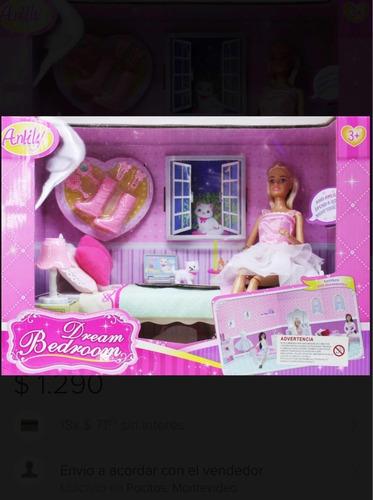 muñeca  articulada 30cm aprox. con cama y accesorios