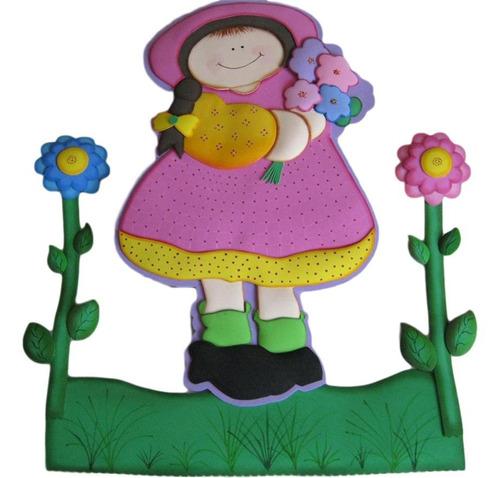 muñeca con flores para aplicar en la puerta