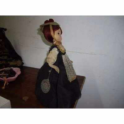 muñeca de coleccion, musical, nation doll foreign 30 cm800$