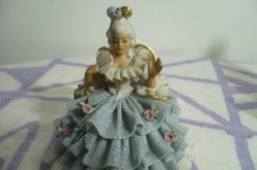 muñeca de porcelana, hermosa!!