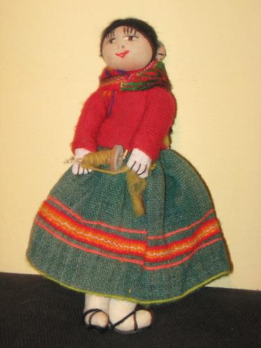 muñeca de tela etnica autoctona  cholita norteña