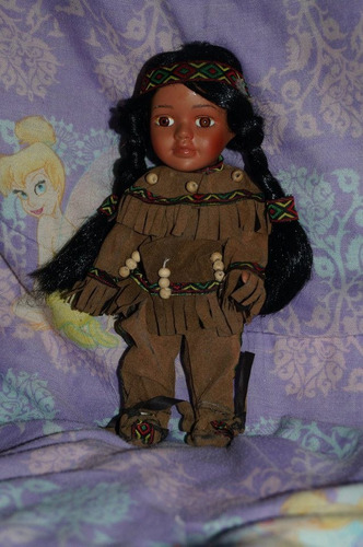 muñeca goldenvale porcelana indioamericana