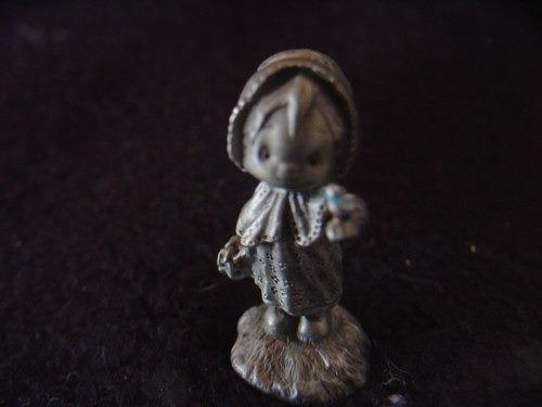 muneca little gallery pewter