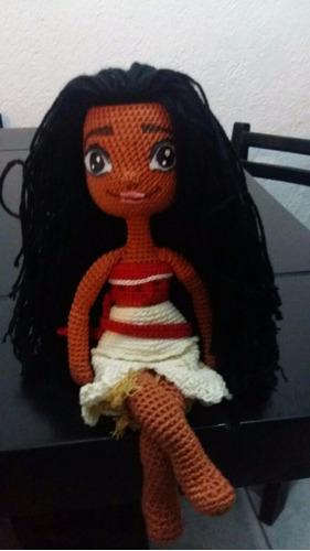 muñeca moana amigurumi tejida a mano en crochet