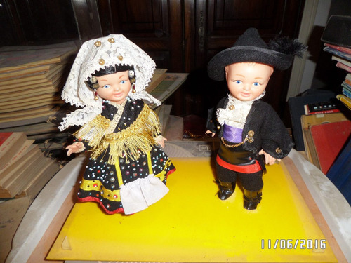 muñeca muñeco pareja antiguo  regionales españoles