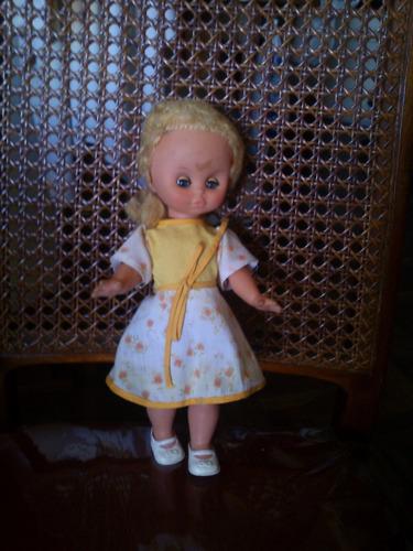 muñeca  ojos movibles