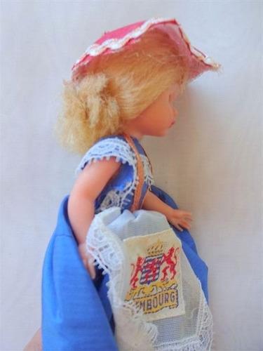 muñeca souvenir vestimenta tipica luxemburg  europa 16 cm