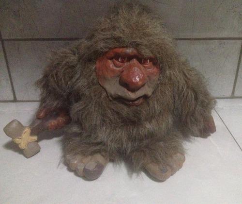 muñeco cavernícola, troll