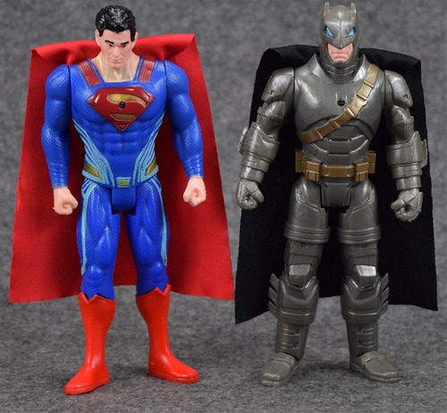 muñeco de superman y batman 30cm batman vs superman luz/son