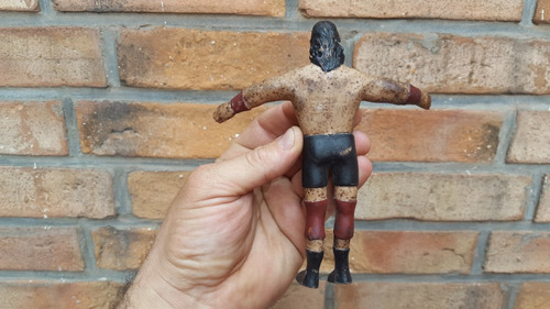 muñeco del lucha libre del gigante gonzalez