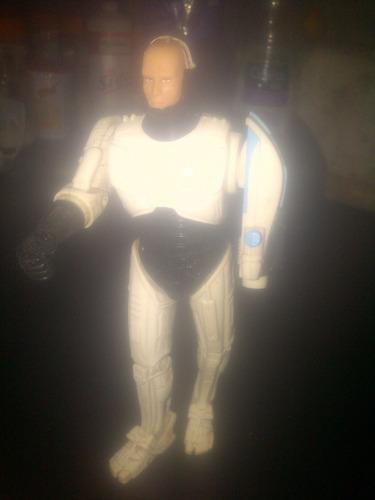 muñeco robocop