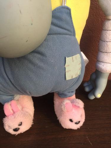 muñeco unico phil toonsylvania hace sonidos y vibra peluche