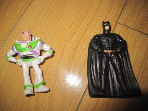 muñecos bat man y buzz lightyear pequeños