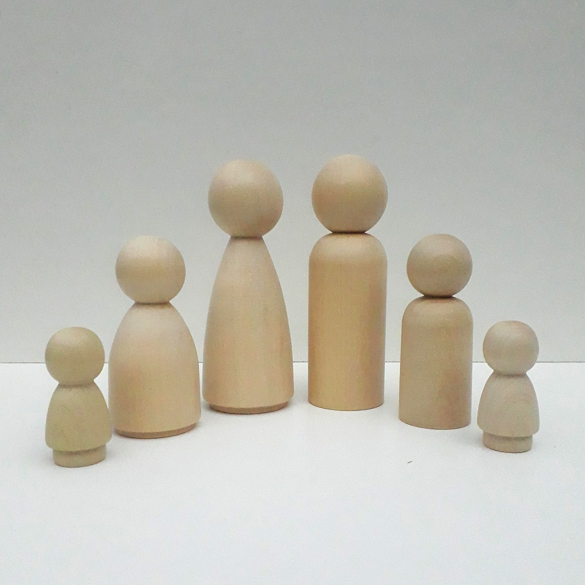 Muñeca De Madera Peg familia de 4 Montessori