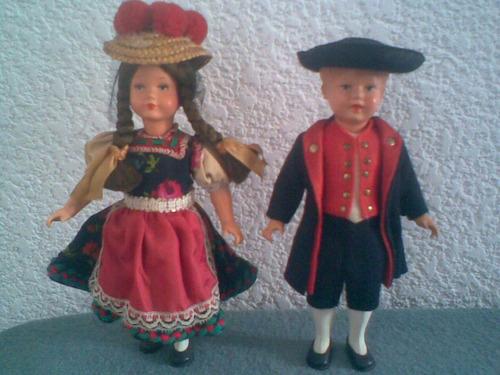 muñecos regionales antiguos