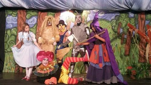 muñecotes, shows de magia, obras teatrales infantiles