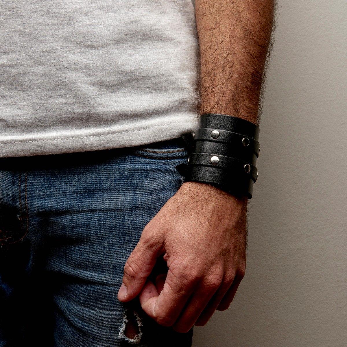4f7a44b8a910 muñequera brazalete pulsera hombre rock doble cuero genuino. Cargando zoom.